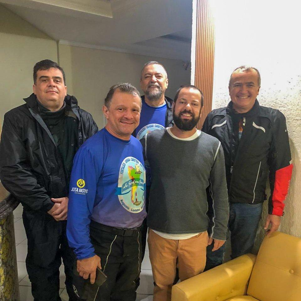 Experiências de viagens: grupo indo ao Ushuaia